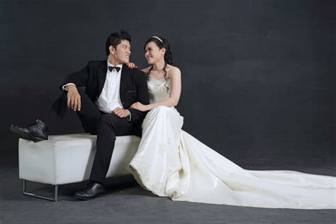 Wedding Photoshoot by Pre Wedding Photoshoot Ideas Indoor And Outdoor