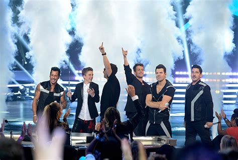 New Block Crop Mc Daniel Seavey Nkotb S American Idol Finale Performance