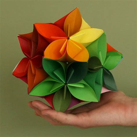 Japanese Paper Origami - anniversary of the paper eggheads