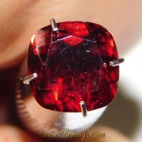 Batu Garnet Merah Kotak ciri batu garnet asli dan palsu serta penentuan kualitasnya