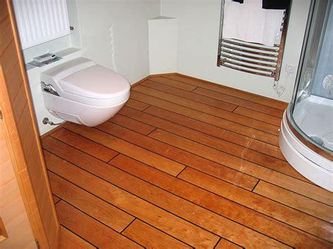 Holzfußboden Im Badezimmer by Badezimmerb 246 Den