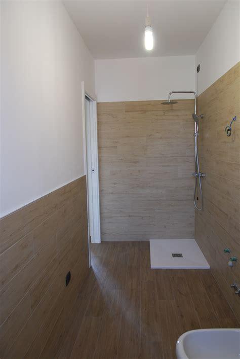 montaggio piatto doccia filo pavimento excellent view images forum uaiuto colore piatto doccia