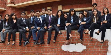 Lucknow Mba Placements by Iim Lucknow Placement Report 2015 100 Placement