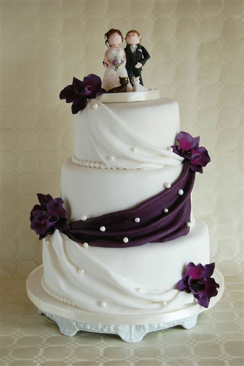 Hochzeitstorte Vintage Lila Hochzeitstorte Mit Lila Zuckerorchideen Torte