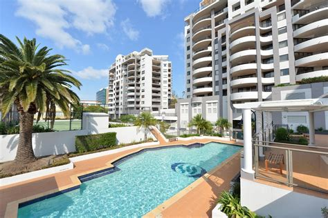 oasis appartments family holiday at the oasis apartments brisbane the