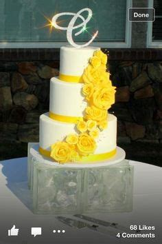 Wedding Cake Yellow Roses by 1000 Images About Yellow Roses On Yellow