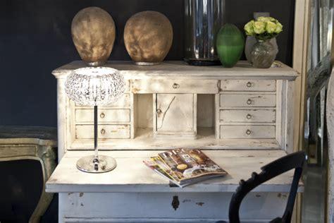 scrivania vintage scrivania vintage un romantico dettaglio retr 242 dalani e