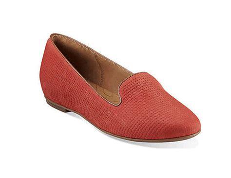 Sepatu Ibu Ibu Sepatu Untuk Wanita Ciri Ciri Orang Muda