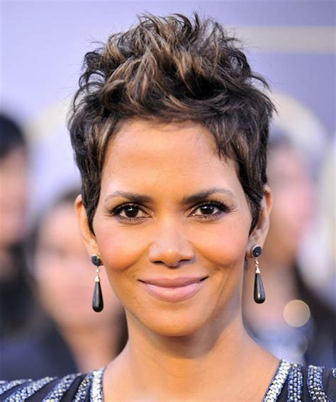 back view of halle berry hair halle berry short haircut