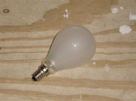 Ceiling Fan Light Bulbs by Lighting Gallery Net Incandescent Lights Cfls Ceiling