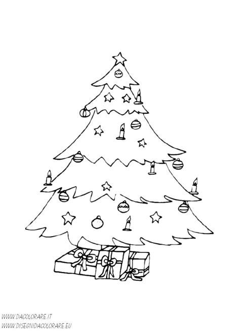 candele albero di natale natale albero di natale addobbato con candele e regali