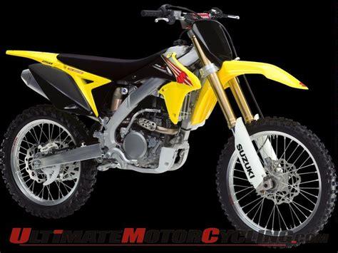 Suzuki Motocross Riders Suzuki Rm Z Debut With Ricky Carmichael