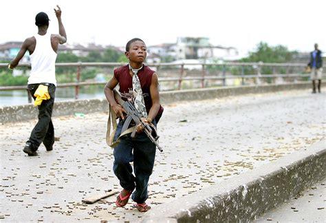 bambina lette bridges liberia libera 10 anni dopo photogallery news