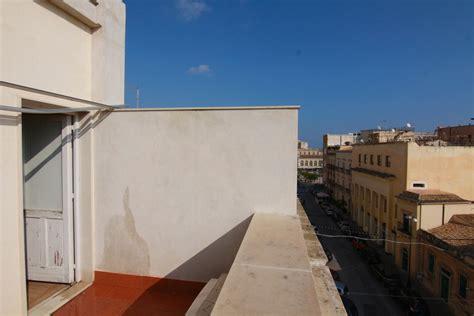 casa con terrazzo ortigia savoia casa indipendente con terrazzo