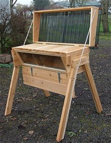 Horizontal Top Bar Hive by 1000 Ideas About Top Bar Hive On Beekeeping