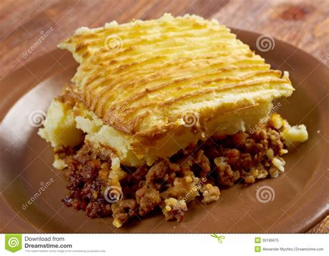 Cottage Pie Cooking Time by Cottage Pie Stock Image Image Of Crockery Crust