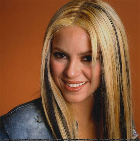 biography shakira shakira hairstyle trends may 2012