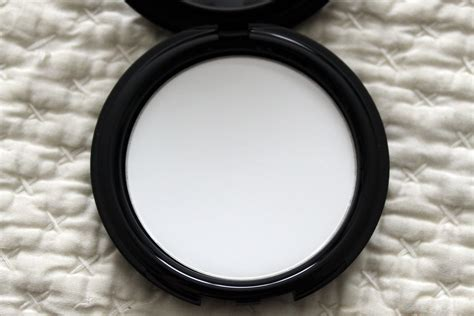 Makeup Forever Hd Pressed Powder i can t stop touching my because of make up forever hd pressed powder the tonic
