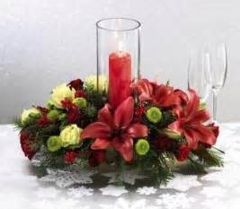 Red floral arrangement will be truly christmas dreamy apartment