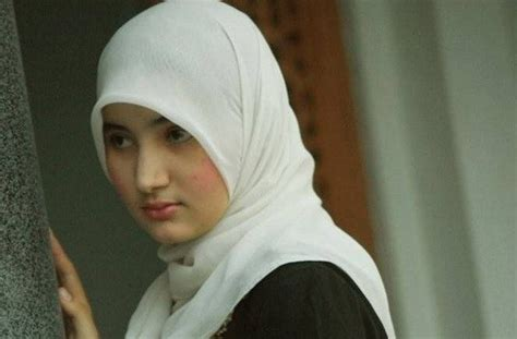 Jilbab Wanita Muslimah 43 Manfaat Menggunakan Jilbab Bagi Wanita Muslimah