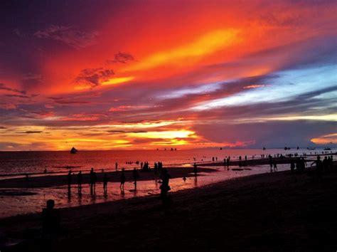 insanely beautiful sunsets  boracay adventurous miriam