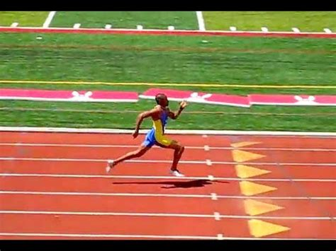 how to race the 200 meters youtube new 200 meter world record u s masters track