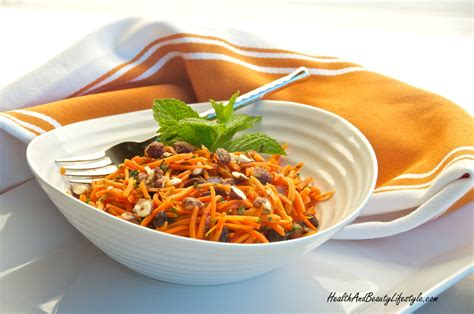 vegetables easy on the stomach salad with carrots and yogurt for cleaning the intestines