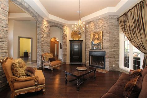 What Color Hardwood Floor with Dark Furniture that You