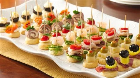 christmas themed hors d oeuvres 4 ingredient appetizers pillsbury