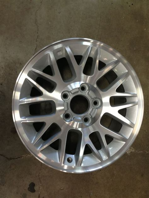 Jeep Grand 17 Inch Rims 17 Quot Jeep Factory Wheel Polished Grand 5he38trmaa