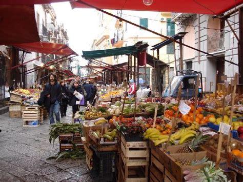 mercatino usato porta genova mercato capo porta carini foto di mercato capo