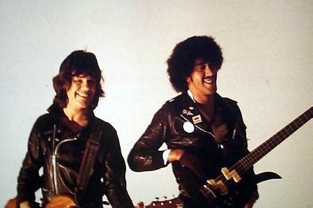 Thin Lizzy Eagle gary phil lynott out in the fields 視聴覚室