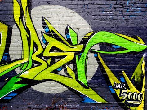 graffiti art painted   graffiti historic toronto