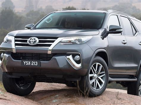 Toyota Fortuner Durable Premium Wp Car Cover Army Series 2016 toyota fortuner 6