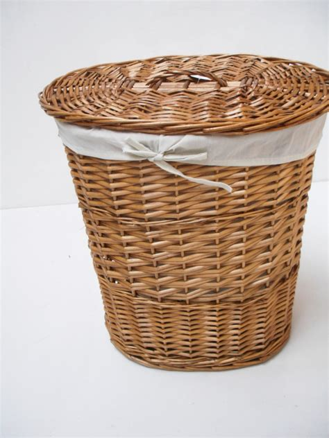 Brown Or White Oval Wicker Laundry Basket With Lid And Wicker Laundry With Lid