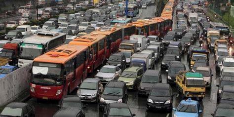 Lu Sorot Atas Mobil Langkah Awal Mengurai Kemacetan Jakarta Kompas