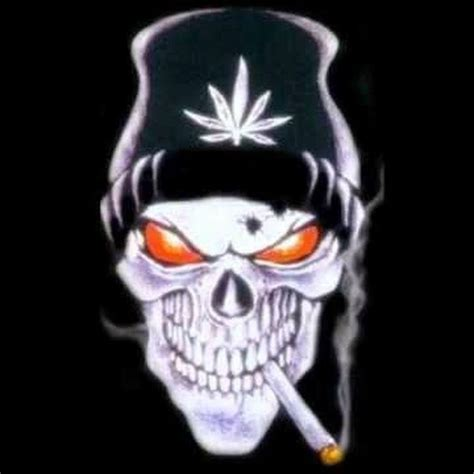 imagenes de calaveras tumblr skull smoking a joint with a bud leaf beanie on skulls