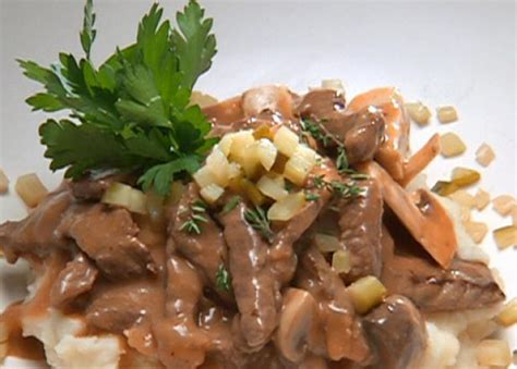 ina garten beef stroganoff big top beef stroganoff recipe robert irvine food network
