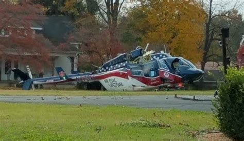 air evac helicopter air evac lifeteam helicopter crashes 3 on board