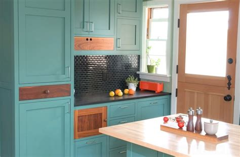 how to paint your kitchen cabinets like a professional how to paint your kitchen cabinets freshome