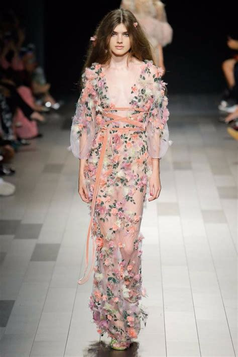 In Runway Looks by Ny Fashion Week 2018 Best Collections And Runway Looks