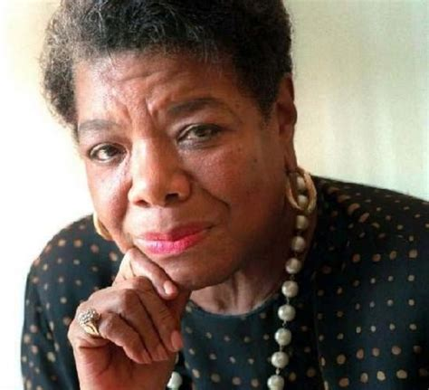 maya angelou biography in spanish maya angelou the poet biography facts and quotes