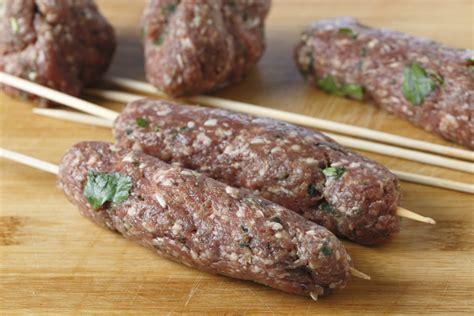 come cucinare il kebab kofta kebab la ricetta per preparare il kofta kebab