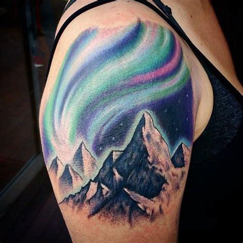 aurora borealis tattoo oltre 1000 idee su boreale tatuaggio su