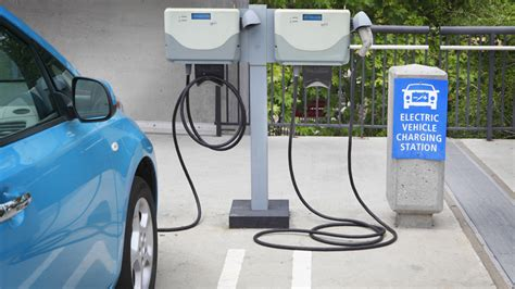 major vehicle manufacturers developing high power ev charging network  europe