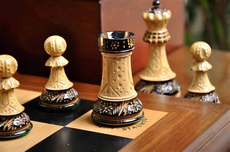 staunton chess pieces staunton burnt zagreb 59 series chess set box and board