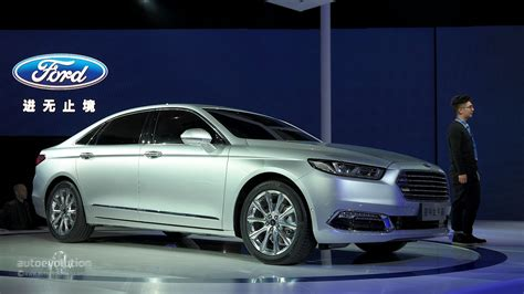future ford taurus 2016 ford taurus shows up in shanghai with long wheelbase