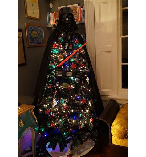 10 awesome christmas trees that are not the norm
