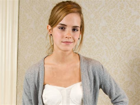 emma watson biography in french hollywood emma watson hd wallpapers 2012
