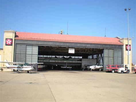 hi way motors bud il historic ford hangar this is the historic ford hangar at